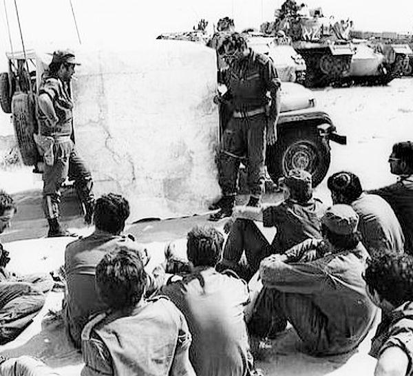 """10.10.1973 - תדריך מג""""דים ב""""מבדיל"""" 71 לאחר 4 ימי לחימה רצופים"""