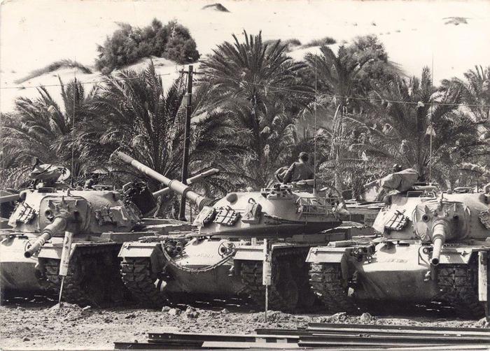 טנקי הגדוד בנווה המדבר קטיה לפני המלחמה