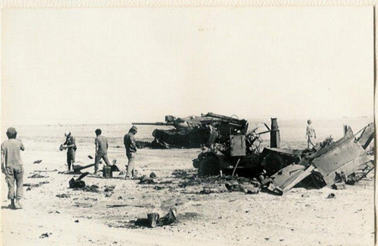 """זחל""""ם תאג""""ד 582 והטנק של גדעון גלעדי ז""""ל, מ""""פ ב' גד' 407 - ממזרח ל""""טרטור"""" 43"""