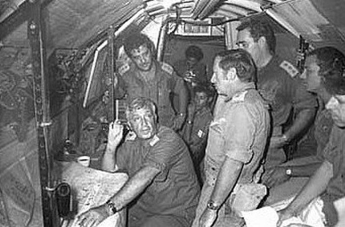 בבונקר הפיקוד של גדוד 184/חטיבה 14 בטסה אשר שימש כמפקדה של אוגדה 143 של אריאל שרון