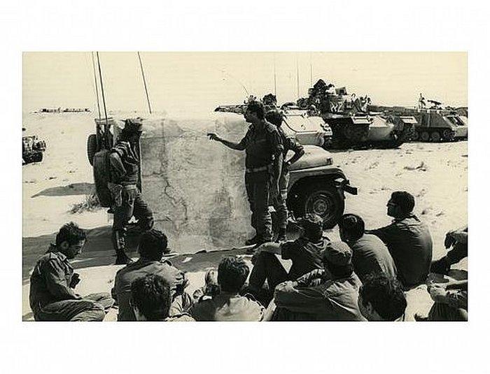 """10.10.73 - תדריך מג""""דים ב""""מבדיל"""" 71 לאחר 4 ימי לחימה רצופים"""
