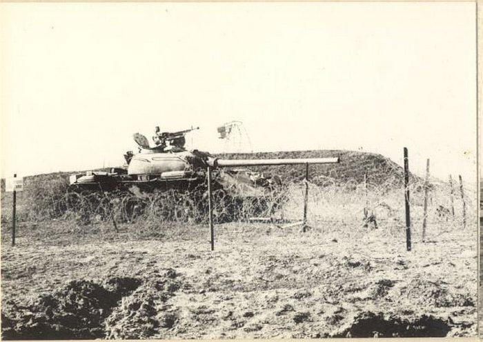 """טנק מצרי (T54) ליד מעוז """"מצמד"""""""